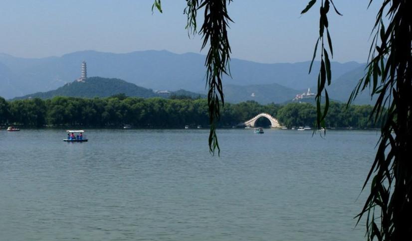 兰晓龙北京颐和园南湖岛书画作品展侧记